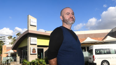 Problem gambler Stuart McDonald says he has been allowed to gamble at Darebin RSL despite being banned from the club under a self-exclusion program.