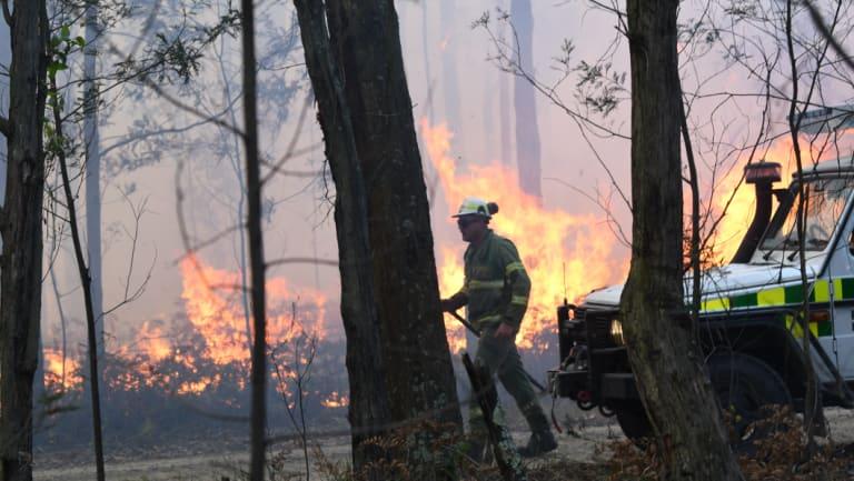 Firefighters battle a 40-hectare bushfire inBuninyong, near Ballarat.
