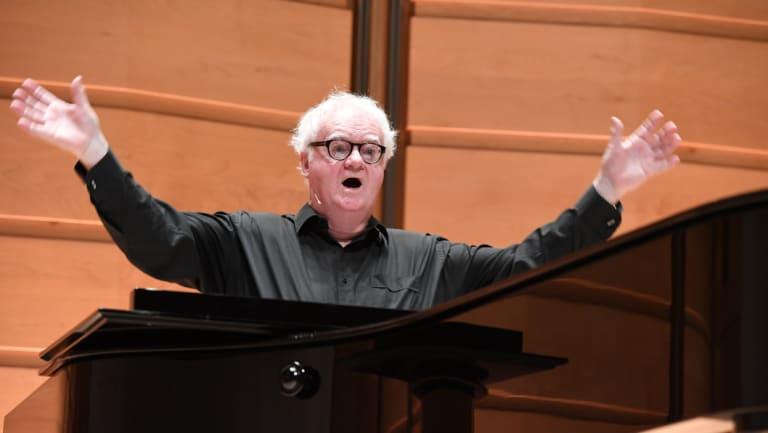 Richard Gill leads the Sydney Flash Mob Choir last year.