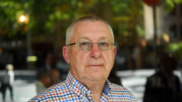Paul Nicholson questions the value of the bonuses awarded to Telstra executives