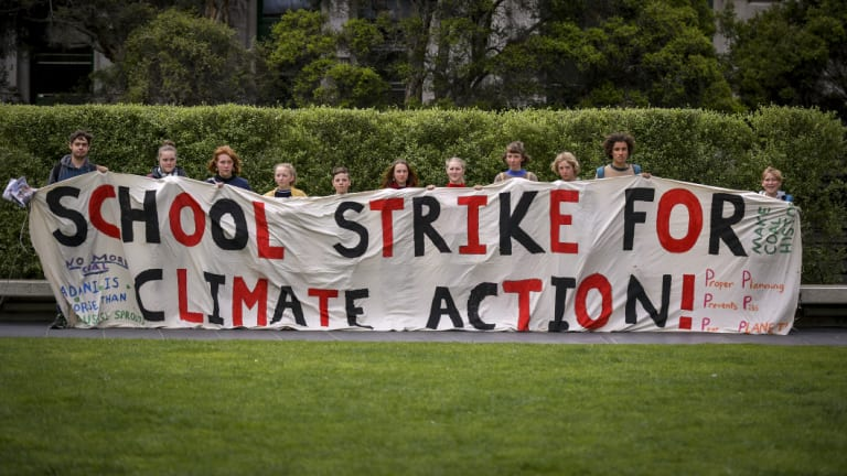 Students from Castlemaine in central Victoria journeyed down to Melbourne this week to press the issue for urgent climate action from our political leaders.