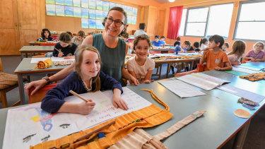 Class 2 teacher Katherine Arconati with students at Glenaeon Rudolf Steiner School.