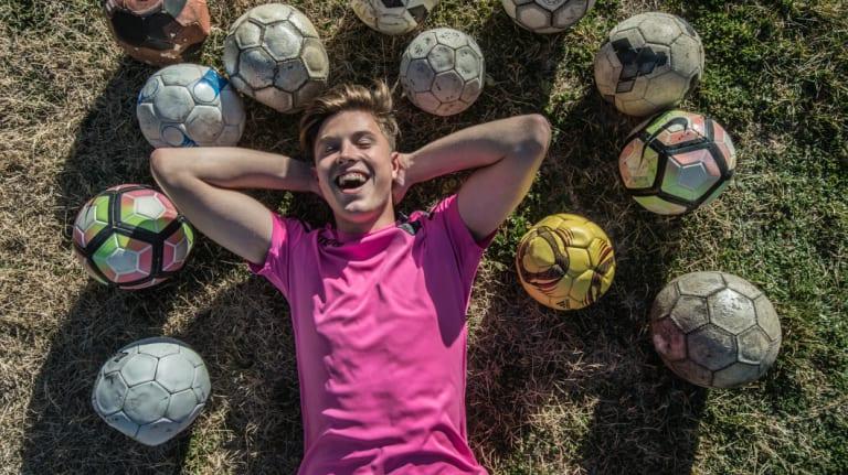 Canberra teenage Anton Barasic has signed with Spanish club Levante.
