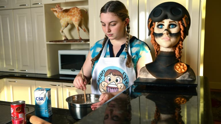 Josie Komninos is 17 and has a business making amazing cakes, as well as going to school.