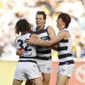 Silky Smith makes a sliver of difference in classic Cats win