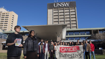 'Very stressful': students rebel after UNSW dumps semester