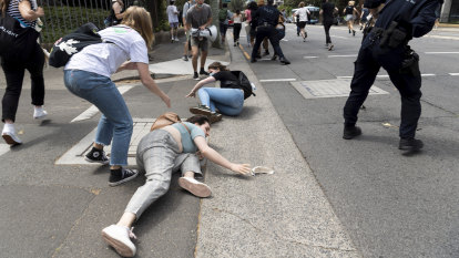 Head of Sydney Law School condemns 'hard' policing of student protests