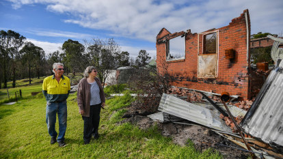 'Bogged down in bureaucracy': MP blasts slow flow of bushfire recovery funds