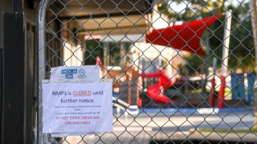 North Melbourne Primary School has been closed after two COVID-19 cases were linked to the school.