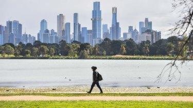 Melburnians walk around Albert Park during lockdown.