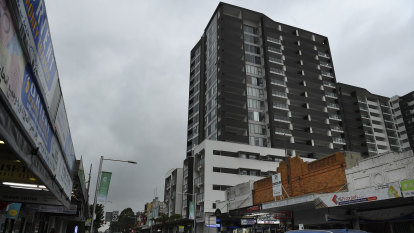 Developer of Sydney's 'worst' tower ordered to fix faults