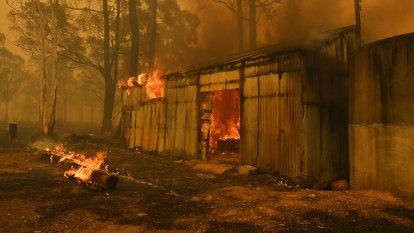 NSW fires LIVE updates: RFS battles blaze bigger than Sydney, hospitals see spike in smoke-related issues