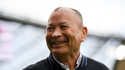 Eddie Jones isolating after England assistant tests positive for COVID-19