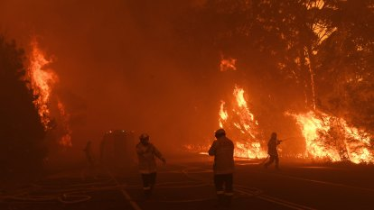 Young people want better disaster education after Black Summer fires