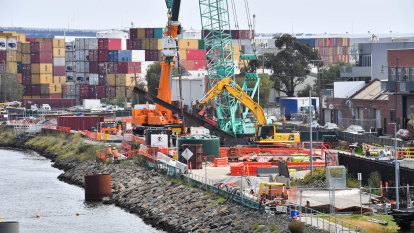 West Gate Tunnel workers reach pay deal: $300k a year