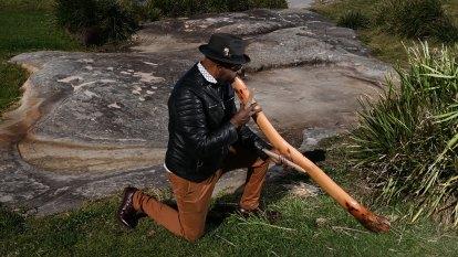Ancient Bondi rock carvings at risk of destruction