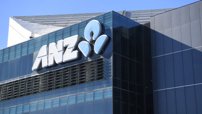 Fitch ratings cuts outlook for Westpac, ANZ to 'negative'