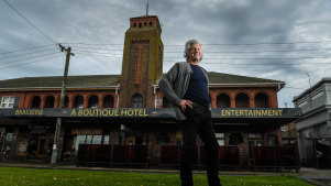 Les Cameron will welcome artists-in-residence to the Commercial Hotel in Terang.