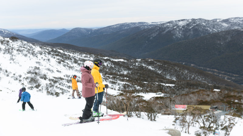 Man and daughter missing in snow around Thredbo