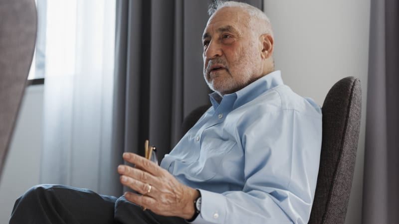 Nobel laureate Joseph Stiglitz warns on penalty rates cut