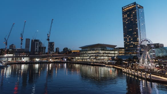 Population of a small town: the transformation of Darling Harbour