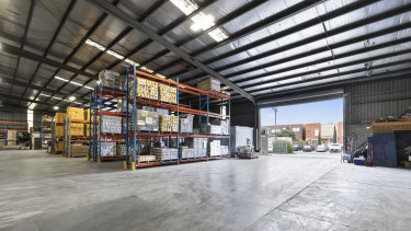 Victoria Farm House Food Service has sold its warehouse at 54-58 Lipton Drive in Thomastown for $2.25 million to another owner-occupier.
