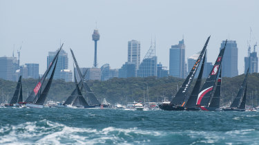 The supermaxis start the Sydney to Hobart race.