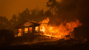 Australia's bushfire crisis has highlighted limitations of our workplace relations laws.