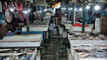 Kedonganan Fish market where tourists can buy fresh seafood and take their purchase to a nearby restaurant and get them grilled for a small fee.