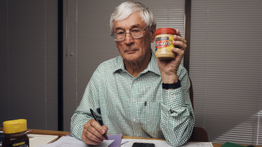 Australian entrepreneur and philanthropist Dick Smith blames Aldi for the demise of his grocery line.