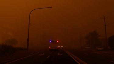 Bushfires reach Bateman's Bay on New Year's Eve.