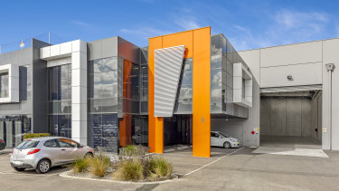 Fibre optic network firm Optical Solutions Australia has leased 3/30 Prohasky Street in Port Melbourne.