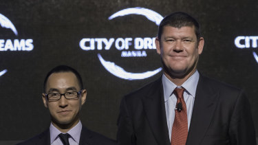 Melco Resorts boss Lawrence Ho and James Packer in 2015.