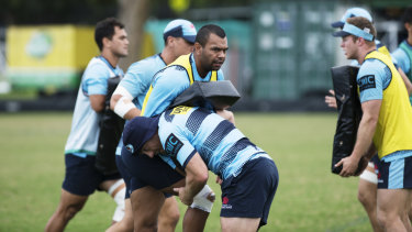 The Waratahs need to beat the Brumbies on Saturday to keep faint finals hopes alive.