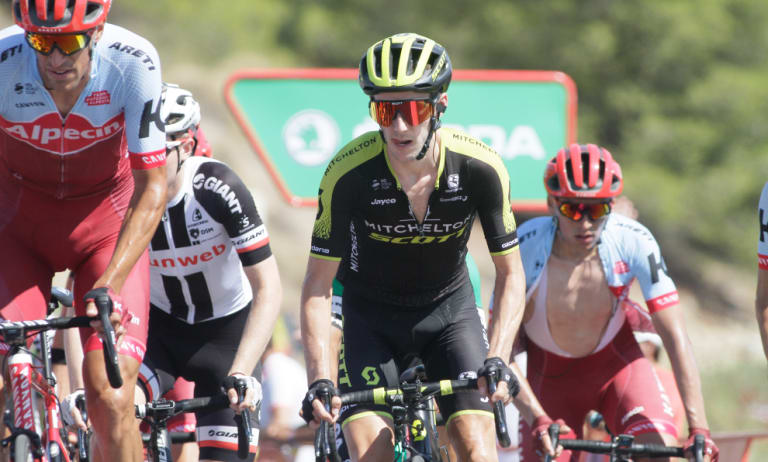 Mitchelton-Scott rider Simon Yates has stretched his lead at the Vuelta.