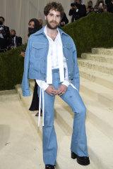 Actor Ben Platt wearing flares by Christian Cowan to The Met Gala.