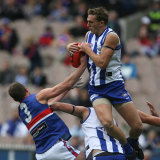 Drew Petrie marks and goes on to kick his 3rd goal.