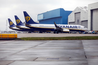 Budget airline Ryanair is expected to cut 3000 jobs.