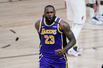 LeBron James scored 38 points as the Lakers took a 2-1 series lead.