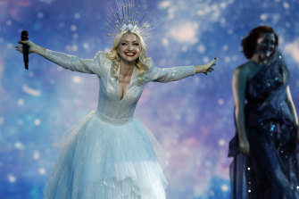 Kate Miller-Heidke soars at Eurovision in 2019.