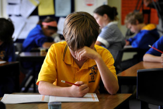 The federal government will take the first steps in making some major changes to NAPLAN tests.