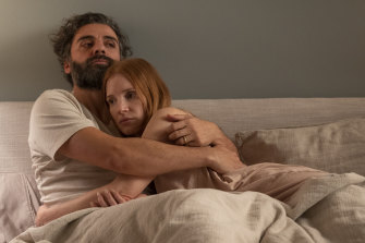 Jonathan (Oscar Isaac) and Mira (Jessica Chastain) in Hagai Levi's reworking of Ingmar Bergman's Scenes From a Marriage.