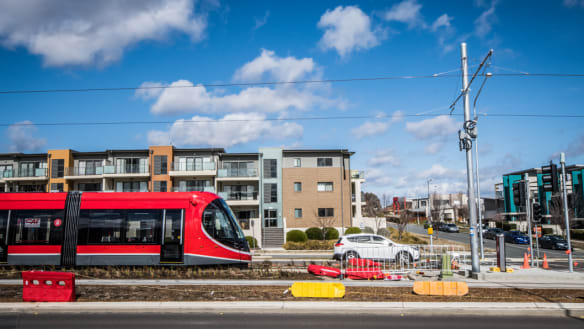 Gungahlin businesses report loss of profit from light rail construction