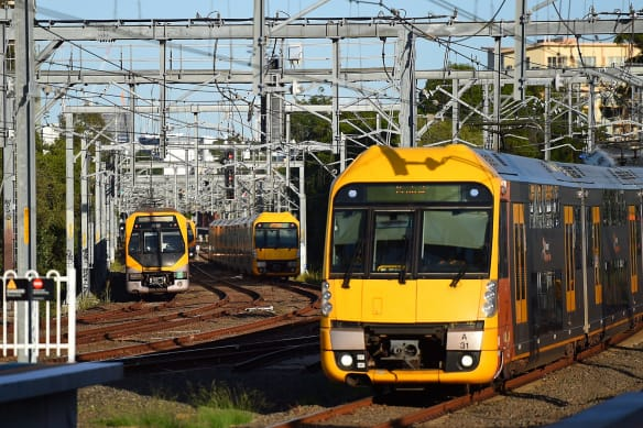'Delay non-essential travel': Passengers stuck on trains between Sydney stations