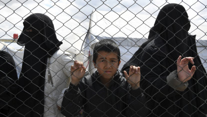 'Sick, wounded' children need urgent evacuation from Syrian refugee camp, say families