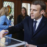 Bad signs for Macron as candidate for Paris mayor trails