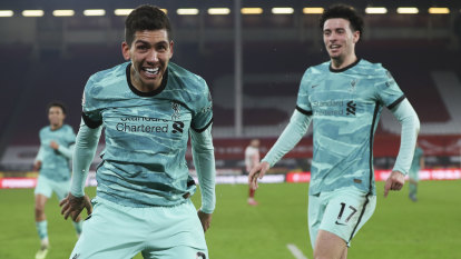 Liverpool snap losing run, Arsenal keep fading European dream alive