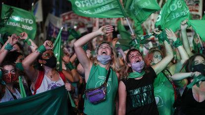 Argentina legalises abortion in historic vote