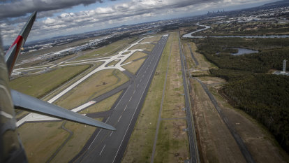 Brisbane Airport noise reaches ears of Deputy PM, with ex-premier on board