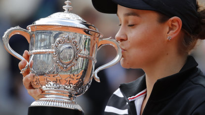 World No.1 Barty declares she's not the one to beat in France